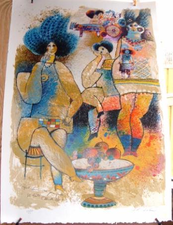 Femmes Suite l'enfant clown avec jeune graves qui chante l'eternelle plaisir de L'Escil